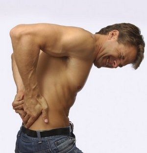 Почему может болеть спина
