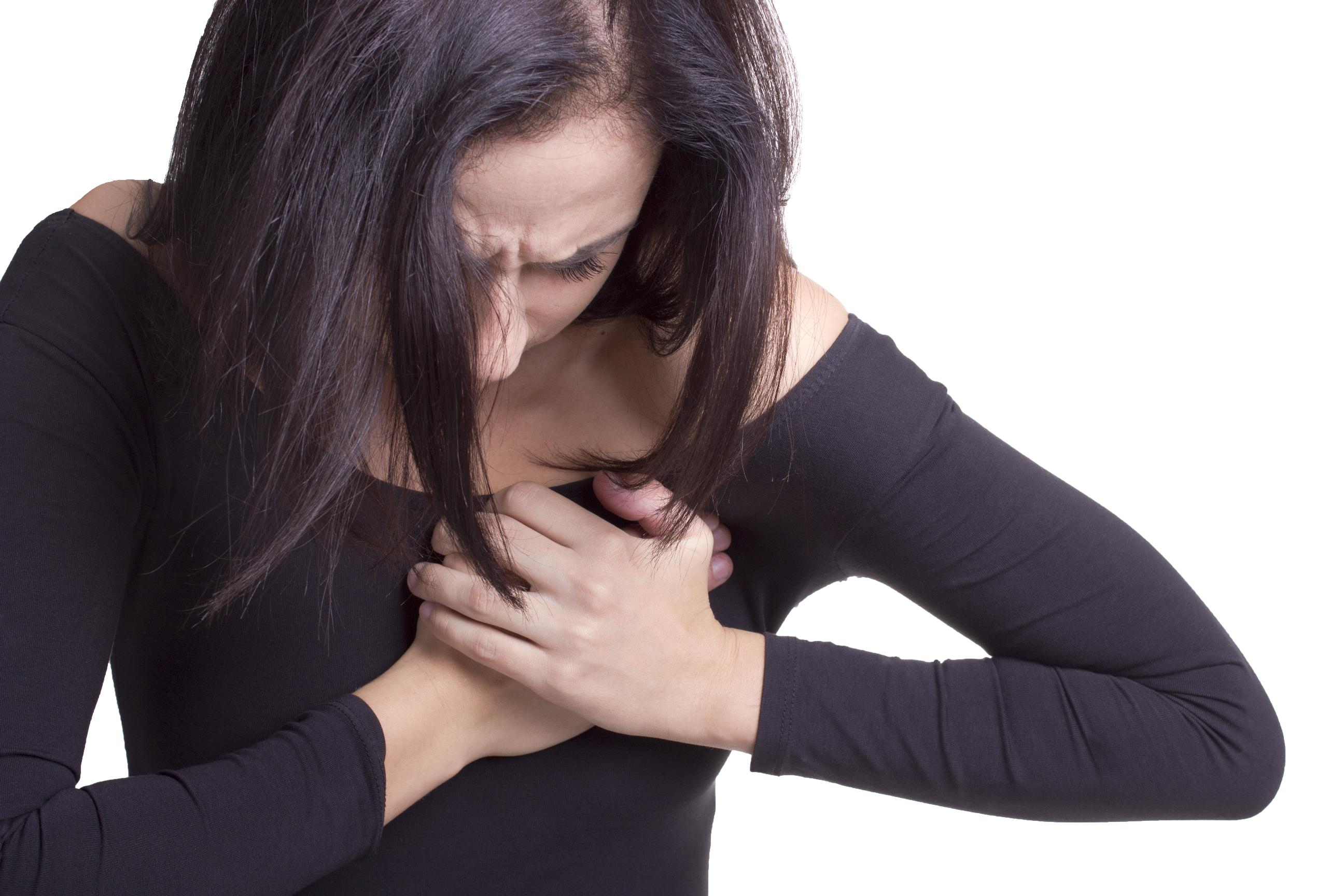 Боли в левой груди