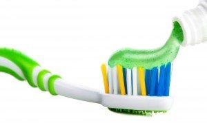 Зубная паста и зубная щётка