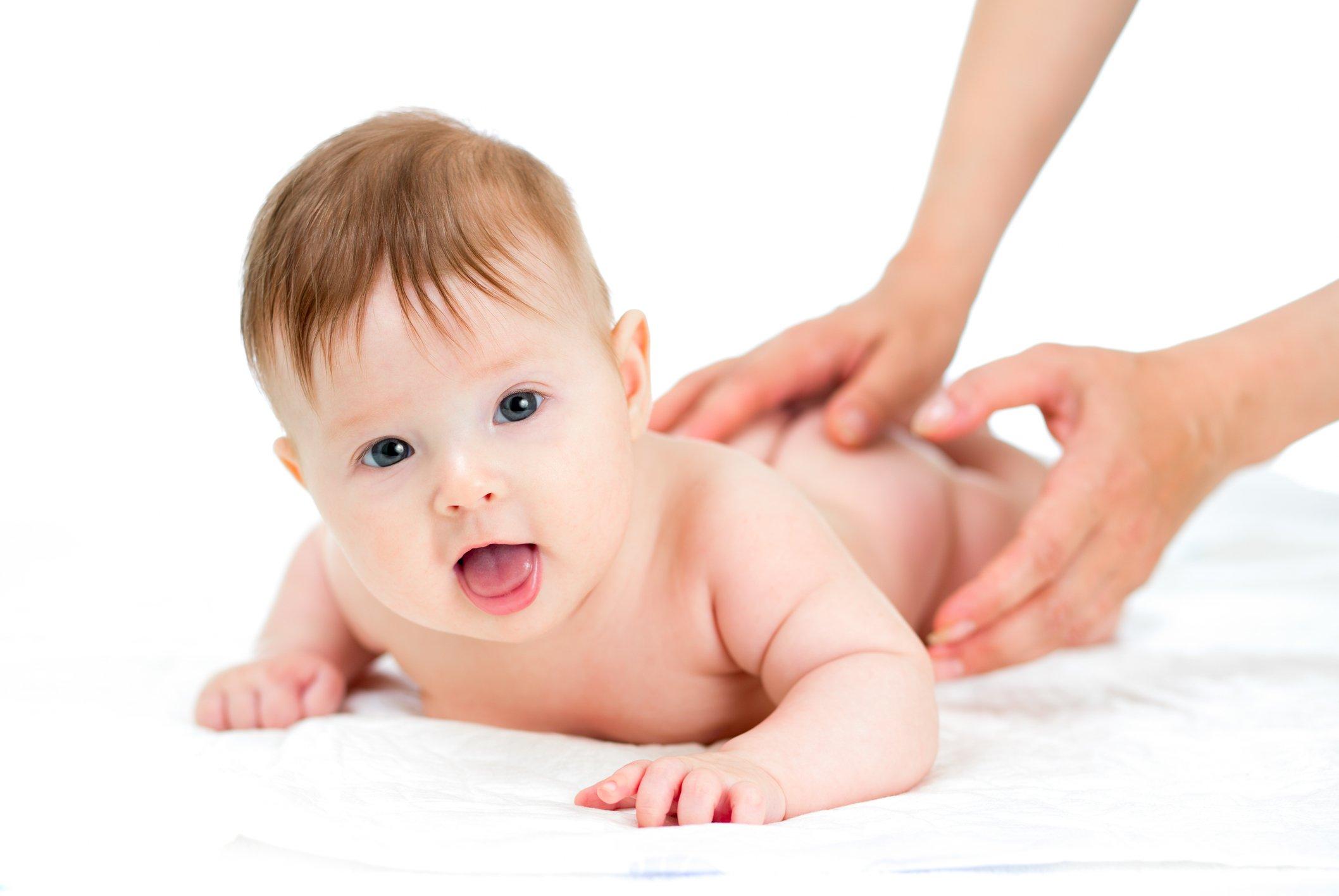 Массаж как способ лечения пневмонии у детей