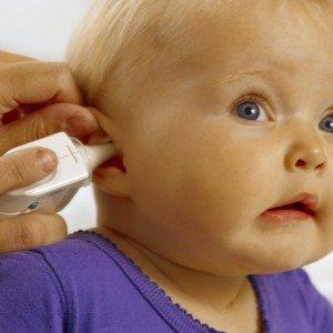 Несколько эффективных способов не допустить развитие отита у ребёнка