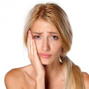 Как избавиться от зубной боли народными средствами быстро и эффективно