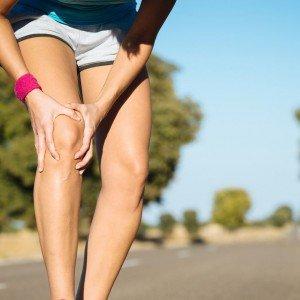 Болит колено во время сгибания