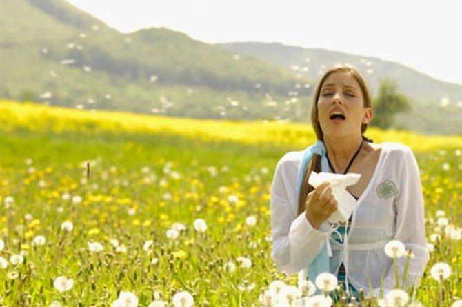 Человек, страдающий от аллергической астмы