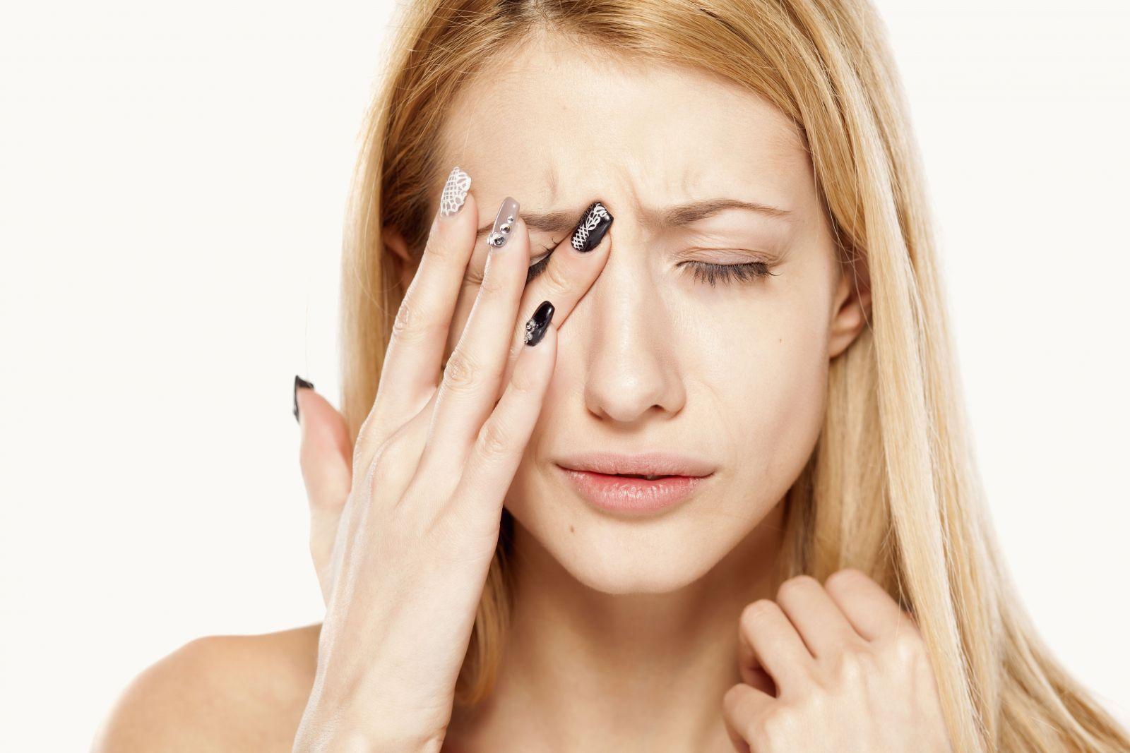 Гифема, или кровоизлияние в переднюю камеру глаза: причины, симптомы и способы лечения