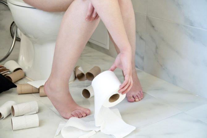 Человек в туалете