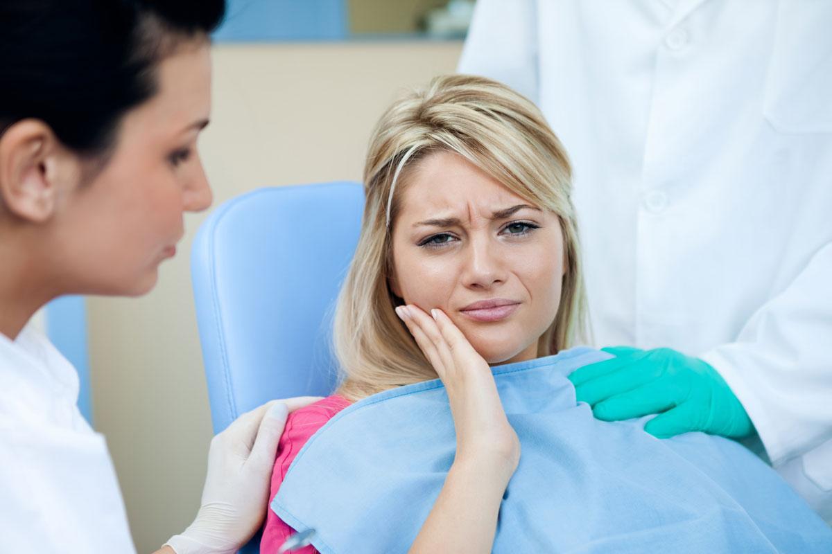 Апикальный периодонтит: когда зубную боль невозможно терпеть