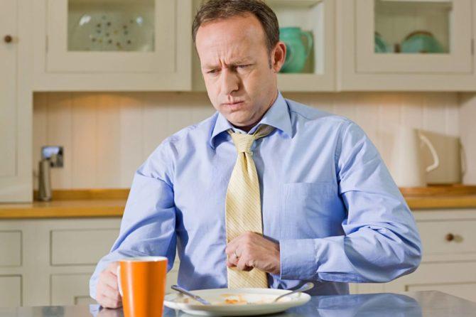 Причин тошноты после еды может быть множества