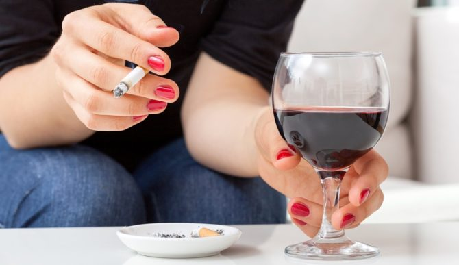 Употребление алкоголя, курение