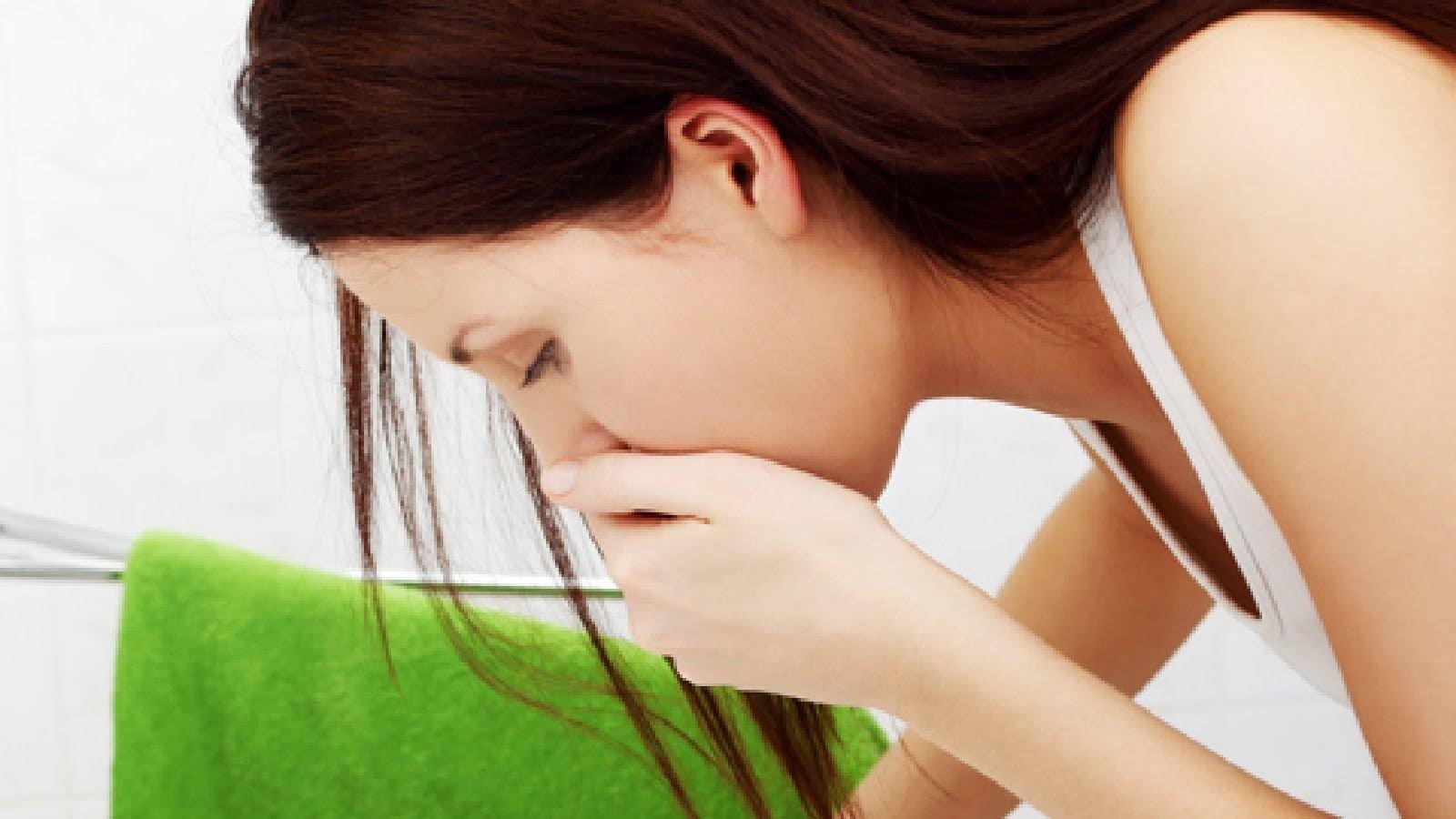 Тошнота и отрыжка после еды: причины появления симптомов и методы лечения