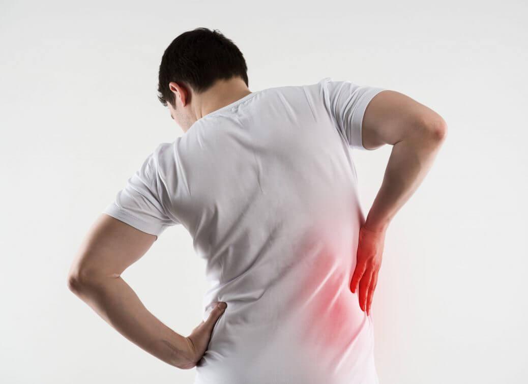 Причина боли в правом боку со спины