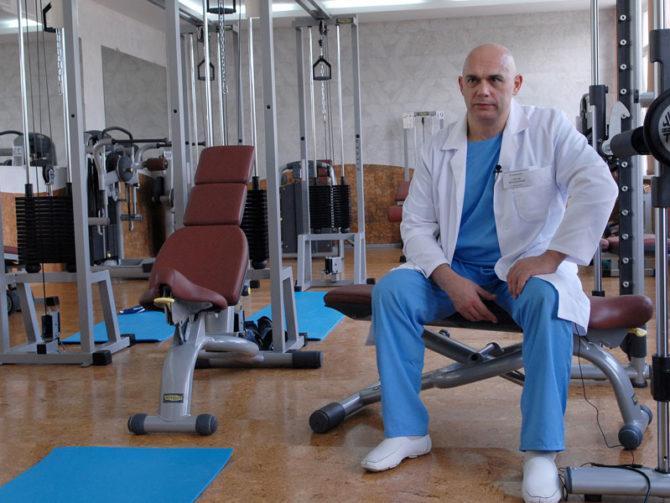 Доктор Бубновский в тренажёрном зале