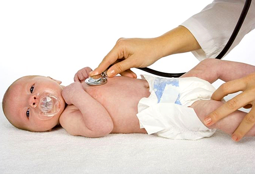 Младенец на приёме у врача