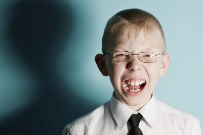 Проявления нервного тика у ребёнка