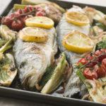 Рыба на противне с овощами