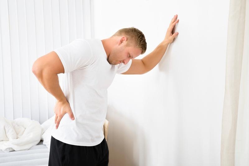 Болит почка с правой стороны: причины и как избавиться от симптоматики
