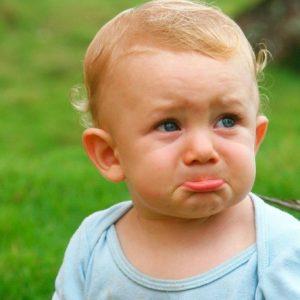 грустный малыш